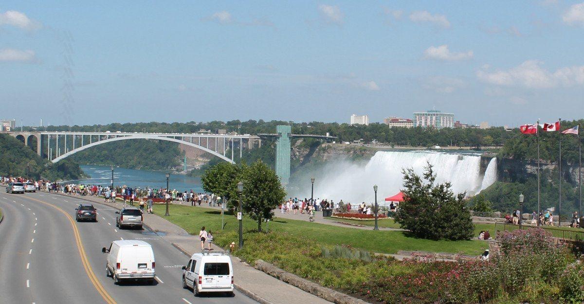 Do I need a car to get around Niagara?