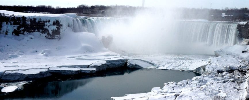 Does Niagara Falls Freeze in the Winter?