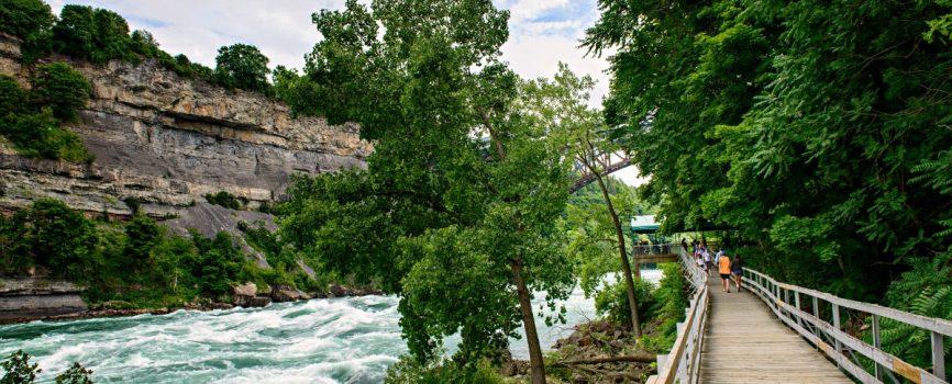 Hiking in Niagara