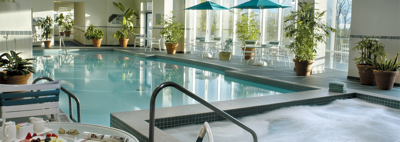 Indoor Pool | Marriott Niagara Falls Hotel
