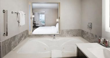 Marriott Fallsview King Room with Whirlpool